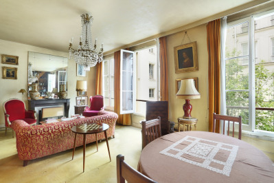Paris 1st District - A charming split-level apartment.