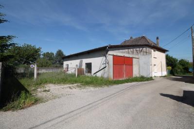 Maison dauphinoise de 140m² garage de 200m² et terrain de 40