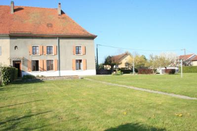 Dauphinoise 231 m² habitables A 5'A43 St didier de la tour