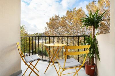 Neuilly-sur-Seine - A superb over 80 sqm apartment