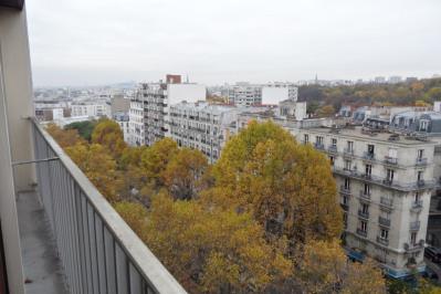 3 PIÈCES VUE Dégagée sur Paris