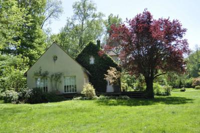 Maison/villa 8 pièces de 260 m² sur Grand terrain arboré