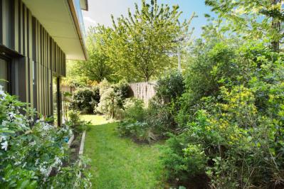 Paris 17th District – A superb apartment with a leafy garden