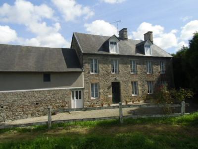 Grande maison en pierre à st sauveur Lendelin