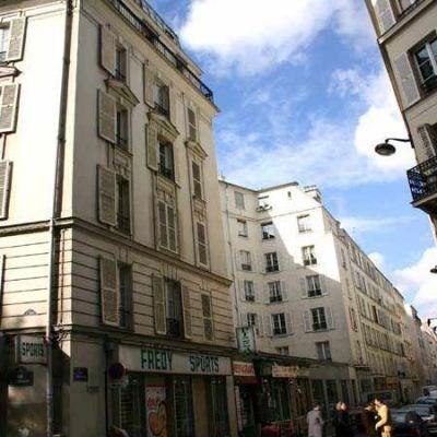 Location appartement Paris 7ème 590€ CC - Photo 1