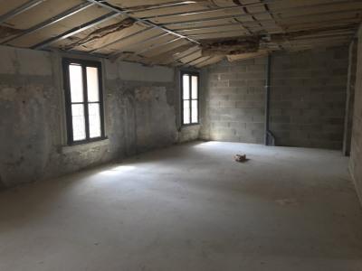 Carpentras coeur de ville dernier étage