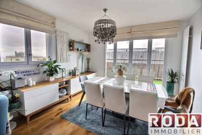 Appartement 4 pièces 97m² en dernier étage