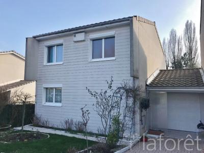 Maison Villefontaine 4 pièce(s) 96 m2