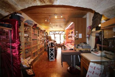 Local commercial de 54m², en plein coeur de Lambesc (13410)