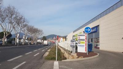 Local commercial LA GARDE - 400 m2