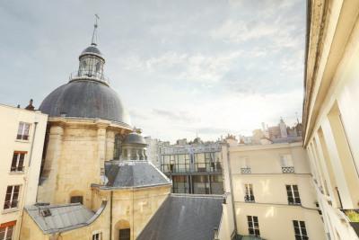 Paris IVe - Rue Saint-Antoine