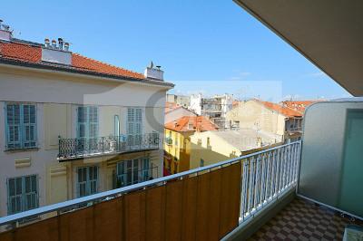 Nice - rue de france: beau F1 avec terrasse