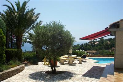 Location vacances maison / villa Les issambres 6625€ - Photo 3