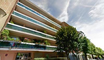 3 pièces 75 m² centre ville balcon et parking