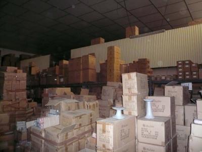 Rental empty room/storage Sorgues (84700)