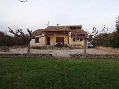 Villa sur 1200 m² de terrain au calme