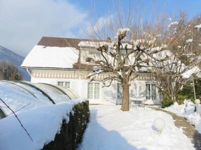 Achat à Saint-Nazaire-les-Eymes, belle maison de 270 m²