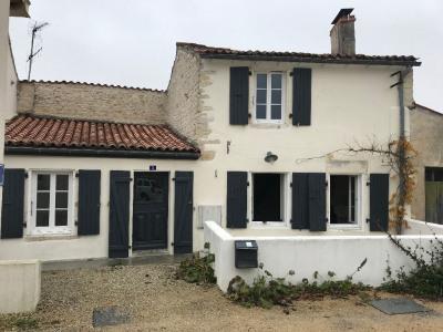 A vendre la jarrie centre bourg maison en pierre 3 pièces