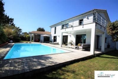 Talmont Saint hilaire - maison 8 pièces 220 m²