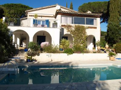 VILLA 135 m² piscine 4 chambres