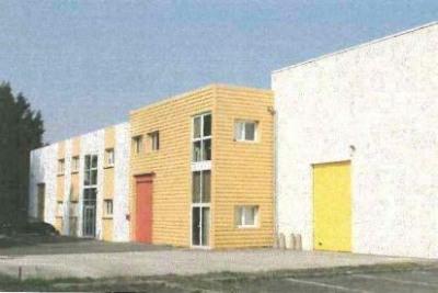 Location Local d'activités / Entrepôt Magny-les-Hameaux 0