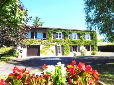 Собственность 6 комнат Secteur Salles d Angles