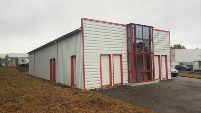 Location Local d'activités / Entrepôt Melesse