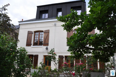 Maison de charme type 1900,5 chambres