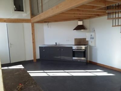 Appartement au 1er étage de type 1 Bis centre Bourg