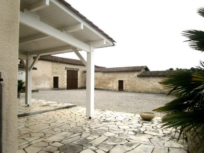 Stone-built property 8 rooms
