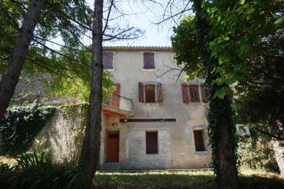 Moussoulens maison de village avec terrasse