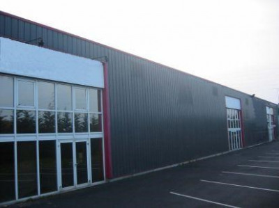 Location Local d'activités / Entrepôt Ingré