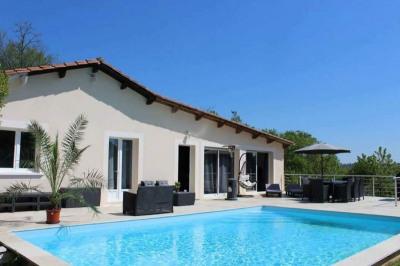 Villa de 200m² avec piscine et maisonnette de 50m² située à