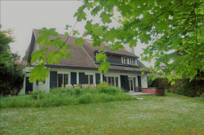 Maison CHAVENAY - 10 pièce (s) - 260 m²