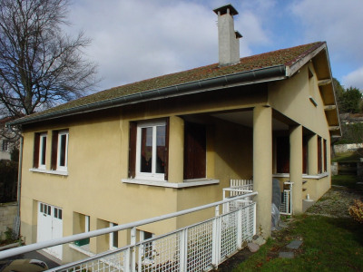 Maison indépendante avec jardin proche du centre