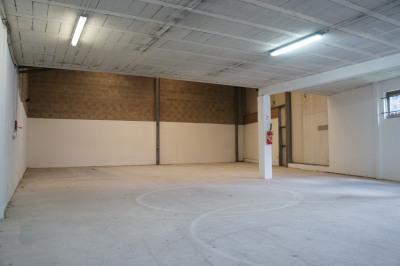 Location Local d'activités / Entrepôt La Queue-en-Brie