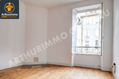 Appartement T3 et local commercial
