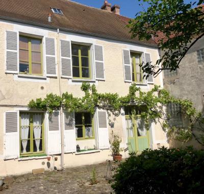 Grande maison de 10 pièces au centre ville de Montlhéry