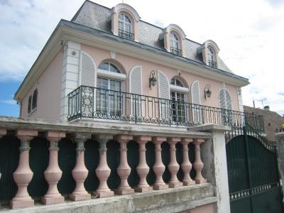Villa Andresy 9 pièce(s) 260 m2