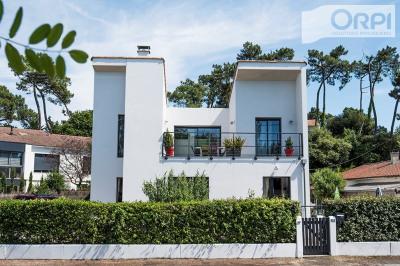 Villa d'architecte vue mer - ronce les bains - fac