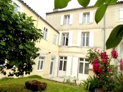 Maison 25 pièce (s) Centre Ville de Cognac