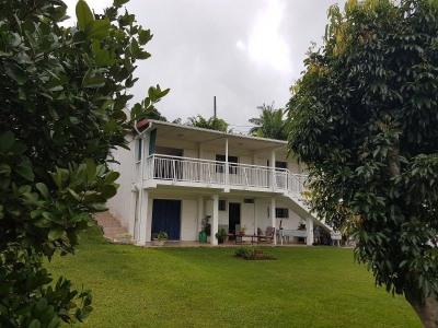 Villa F5/6 sur 875 m²