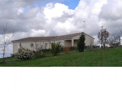 Plain pied sur terrain 5 200 m², vue dominante