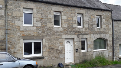 Stone-built property 3 rooms, 85 m² - Loguivy Plougras (22780)
