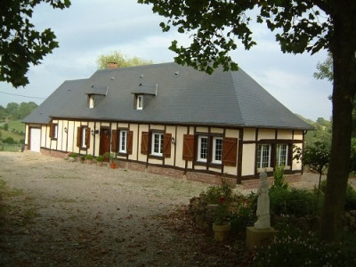 Maison normande avec vue sur campagne région forges les eaux