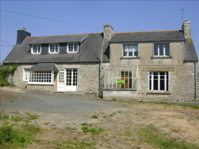 Stone-built property 3 rooms, 62 m² - Loguivy Plougras (22780)