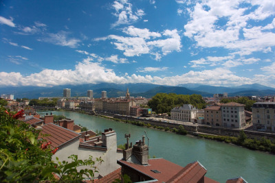 Grenoble Bastille appt exceptionnel avec jardin surplomba