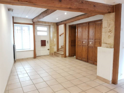 DOMAZAN - Maison de village P4 en rez-de-chaussée + 2