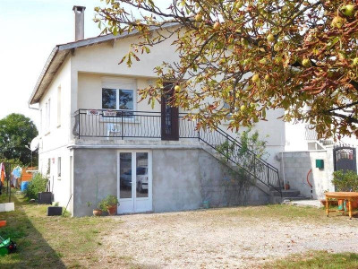 (detached) house 4 rooms Limitrophe de Cognac