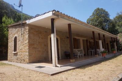 Maison en pierre proche Porto